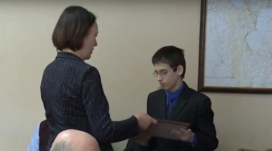 Новгородские инвалиды получили сертификаты на адресную помощь