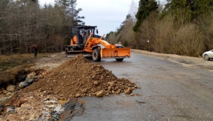 Фотоотчет: в Новгородской области уже восстановлен ряд дорог, смытых наводнением