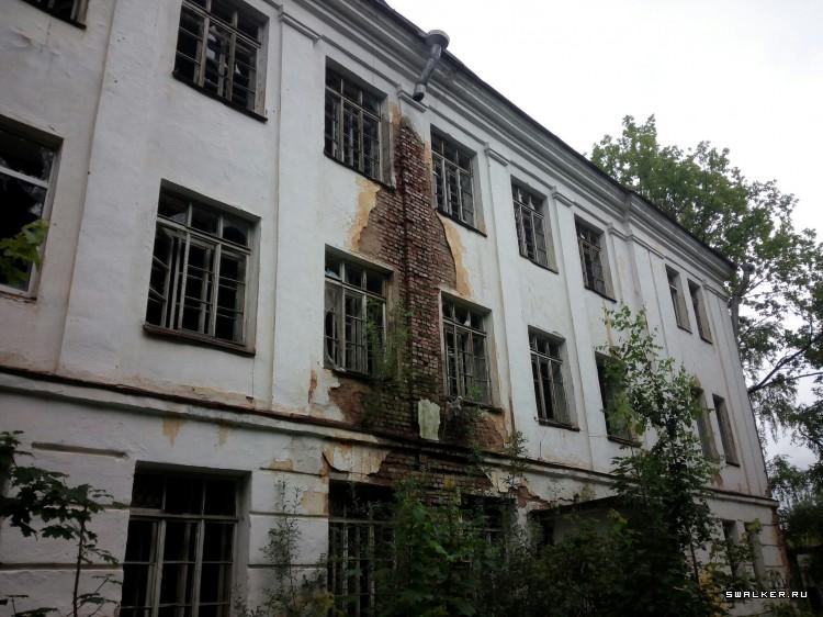 Фото: что приобрел покупатель новгородского военного госпиталя за 29 млн рублей?