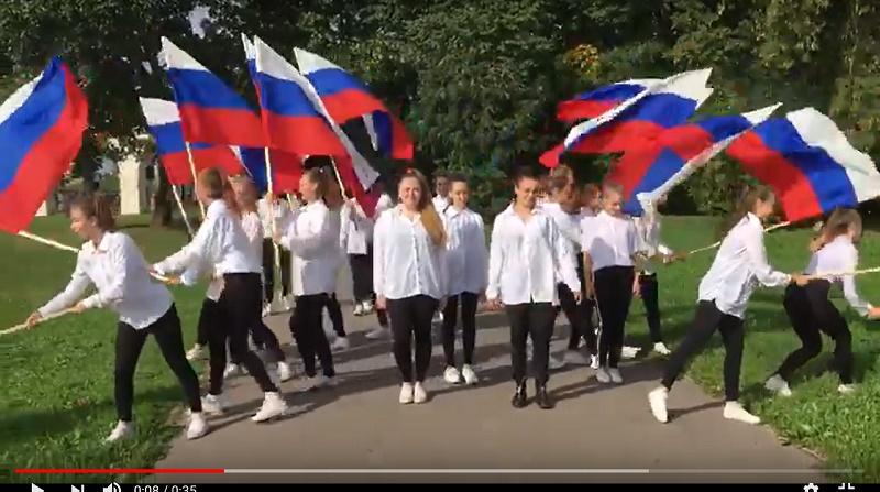 Видео: неожиданные танцы в Великом Новгороде продолжаются