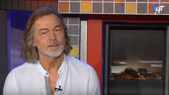 Телетрансляция: Никас Сафронов в Великом Новгороде