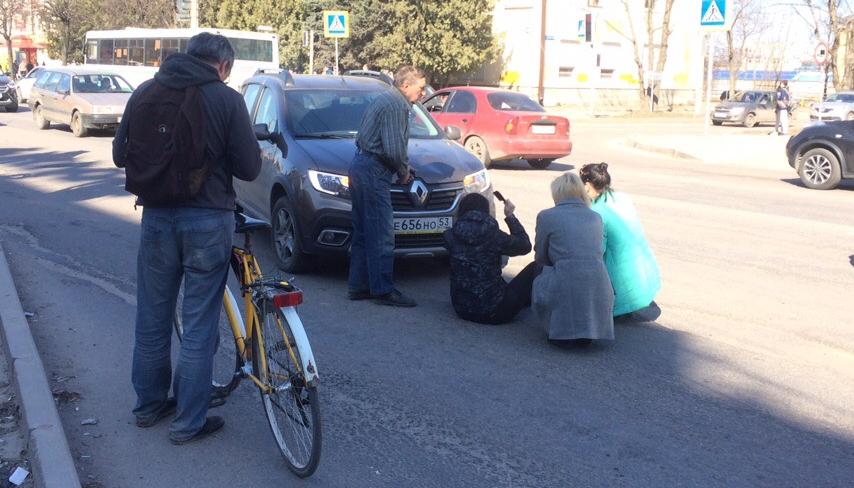 Сбитая автомобилем новгородка первым делом привела в порядок прическу