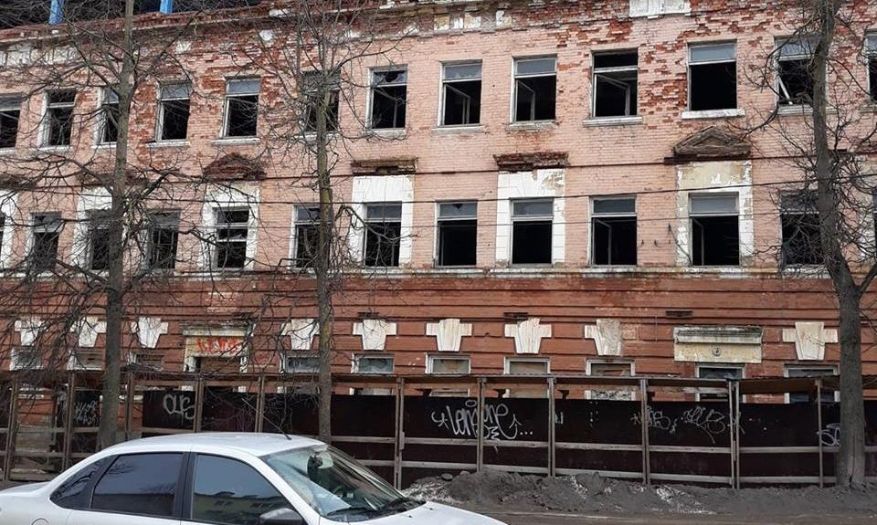 Новгородские общественники обратились в прокуратуру из-за уродующего центр города здания