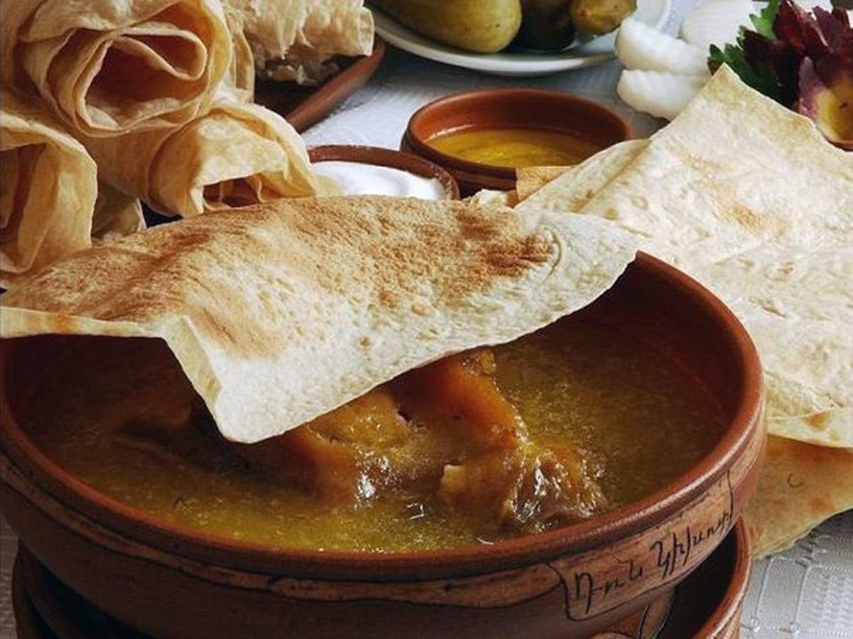 «53 новогодних рецепта»: армянский хаш