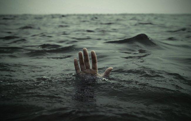 В Великом Новгороде у Колмовской набережной утонул нетрезвый мужчина