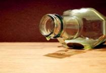 Пьяный житель Холма в поисках матери ворвался в квартиру соседей