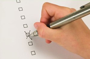 Кандидаты на должность главы Боровичского района заполнили тесты на знание законов