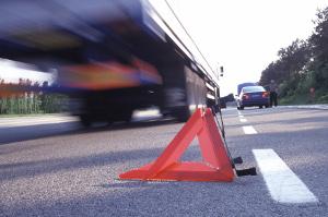 В Новгородской области в столкновении легковушки и грузовика пострадали оба водителя и пассажир КАМАЗа