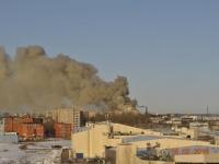 В Великом Новгороде загорелся склад