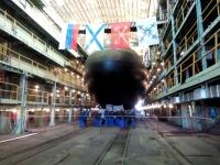 Фотофакт: подводную лодку «Великий Новгород» спускают на воду