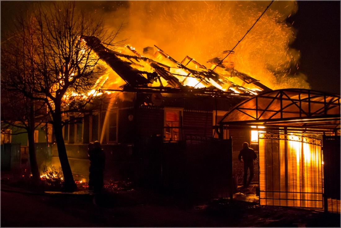 В Новгородском районе на пожаре погиб девятилетний мальчик и его мать
