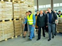 Сергей Митин заявил о поддержке нового производства топливных брикетов в Хвойной