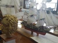 В «Клубе юных моряков» выставили поделки из газет, яичной скорлупы и знаменитый бриг «Меркурий»
