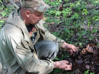 Демянские поисковики ищут родственников погибшего солдата