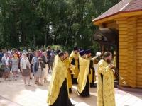 В Боровичском районе освящена часовня, построенная по инициативе родителей, сын которых погиб в ДТП