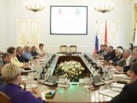 В Смольном состоялась встреча Сергея Митина и Георгия Полтавченко