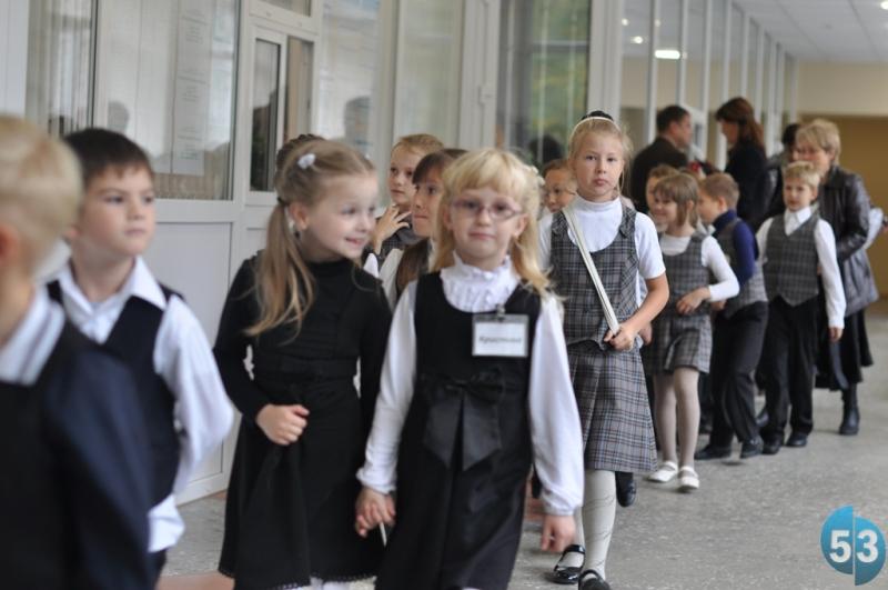Наш опрос: Большинство проголосовавших новгородцев считают, что детям нужна единая школьная форма, как в СССР