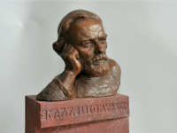 В Великом Новгороде депутаты гордумы определили место для бюста писателю Дмитрию Балашову