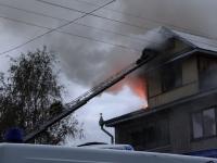 Ночью горел коттедж главы Боровичского района
