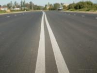 Новгородский подрядчик восстановил 3 км дороги на Сырковском шоссе