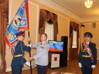 В Великом Новгороде прошла церемония прибивки полотнища знамени УФСИН и его освящение