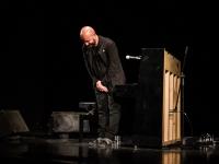 Башар Мар-Калифе выступил с колыбельной в новгородском театре «Малый»