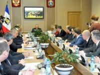 Социально-экономическая ситуация в Великом Новгороде стала темой расширенного совещания в правительстве региона