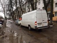 Микроавтобус сбил 93-летнюю новгородку