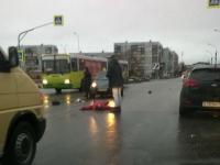На улице Кочетова иномарка сбила 59-летнюю женщину на «зебре»