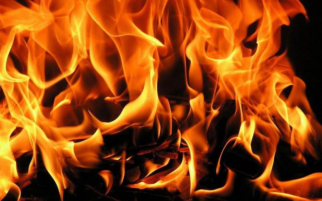 На пожаре в Старой Руссе найден труп