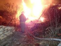 В Валдае сгорел дачный дом