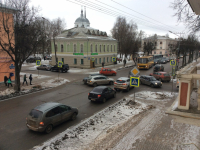 На улице Большая Московская из-за аварии собралась пробка