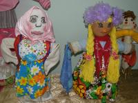 В Мошенском открылась выставка кукол к Масленице