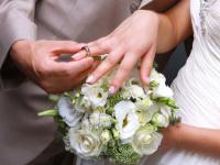 В Великом Новгороде отец выплатил все алименты к свадьбе дочери