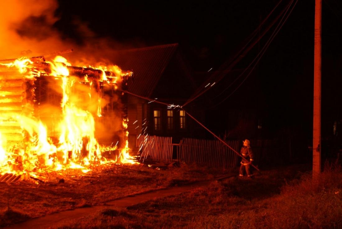 В Боровичском районе мужчина сгорел в собственном доме