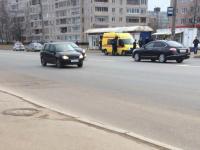 На проспекте Мира в Великом Новгороде Jeep сбил женщину на «зебре»