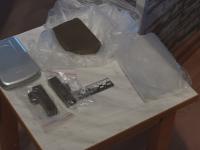 В Новгородской области сотрудники полиции задержали подозреваемых в наркоторговле