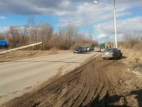 В Великом Новгороде из-за падающего столба произошло ДТП