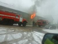 Во время пожара в Новгородском районе пострадала 14-летняя девушка. Пять человек спасены