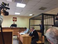 Больничный дебошир из Великого Новгорода не признает вины за насилие в отношении полицейского