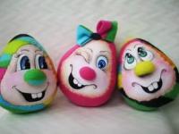 Новгородские студенты поиграли с яйцами