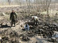 Поисковики из Кирова нашли в Старорусском районе медальон погибшего артиллериста и разыскали его родных