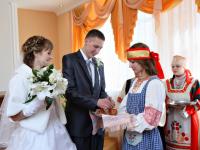 В Новгородской области более 120 пар сыграют свадьбу на Красную горку