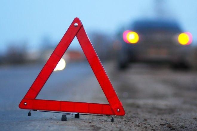 Три человека в «Фольксвагене» погибли в Новгородском районе в столкновении с КАМАЗом