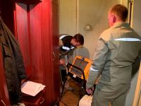Многоквартирный дом, пострадавший от пожара в Панковке 13 мая, сушат профессиональной техникой