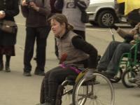 На ежегодной легкоатлетической эстафете инвалиды-колясочники завоевывают медали