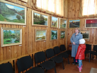 Реставратор Эрмитажа организовал выставку картин в Хвойной
