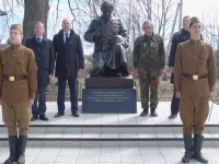 В Демянском районе открыли памятник советскому солдату