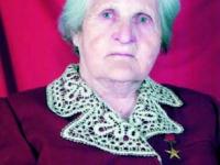 Андрей Никитин в Пестове поздравил 97-летнего Героя Соцтруда Евгению Зябликову