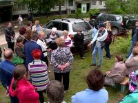 Член общероссийского народного фронта встретилась с новгородцами на улице Попова